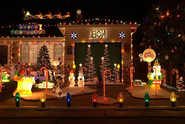 Outdoor-Christmas-Decorations-3